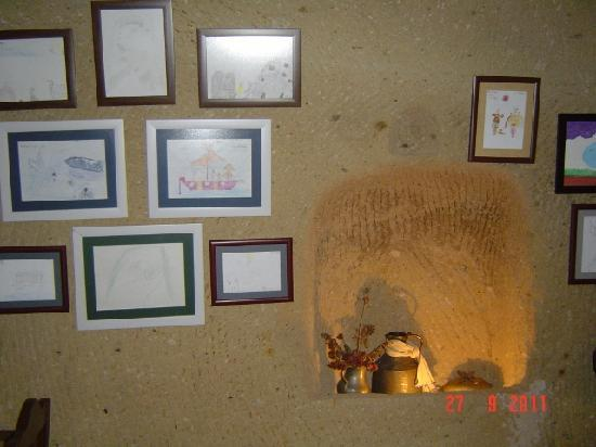 Alkabris: Visitors children drawings.