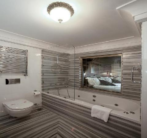 Rose Garden Suites Istanbul : jacuzzi in executive room