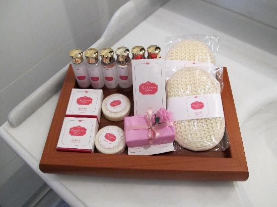 Rose Garden Suites Istanbul: bathroom amenities
