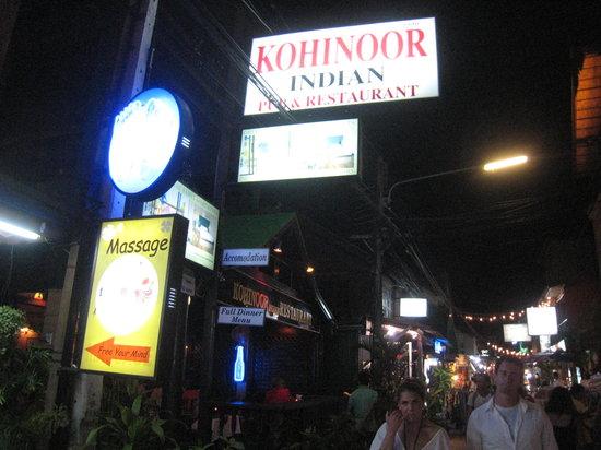 Kohinoor Indian Restaurant : View of the front of the Kohinoor Restaurant from the outside