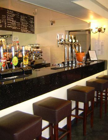 Qudos Hotel: The bar area