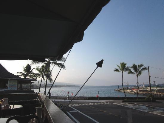 Splasher's Grill: Early morning view. It doesn't get any better...