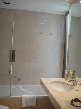 Hotel Jaizkibel: baño con ventana