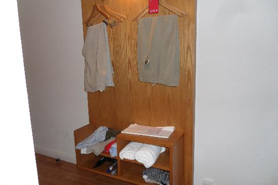 Ibis Styles Crewe: Spot the wardrobe