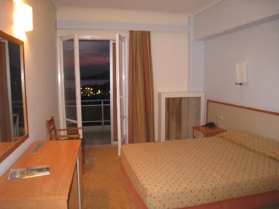 Marmari Bay Hotel: Camera