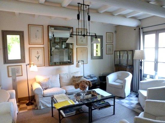 La Bastide de Boulbon: Sala de estar