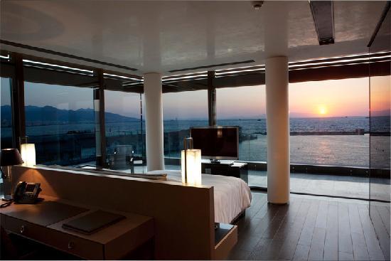 Key Hotel: Enjoy stunning vistas!
