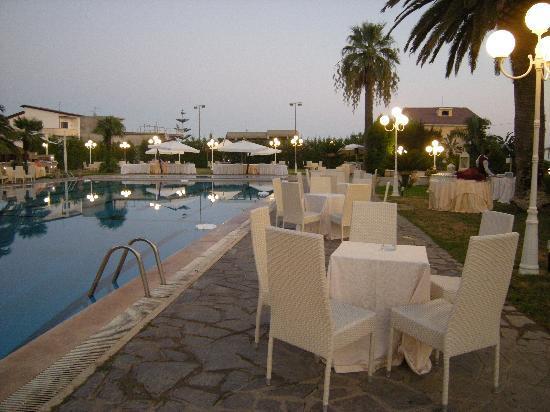 Club Hotel Kennedy: Fiesta por la noche