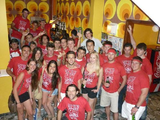 Sunflower City Backpacker Hostel & Bar: Sunflower City Hostel Rimini Pub & Disco Crawl