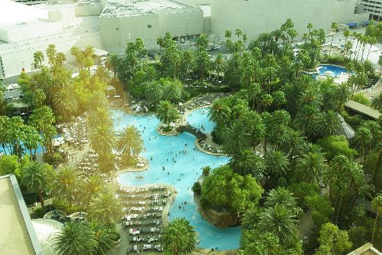 โรงแรมเดอะมิราจ & คาสิโน: vue sur la piscine