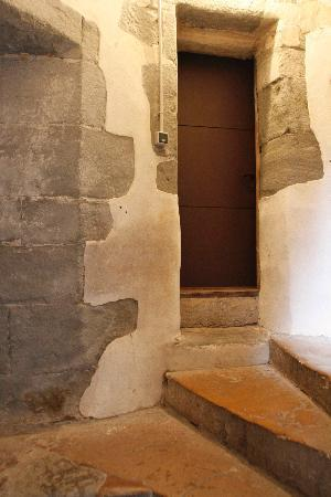 Un Lieu Unique : 部屋の入口、まさしくアパートの1室
