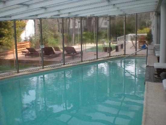Apart Hotel La Galeria: La piscina cubiera del dock de mar.