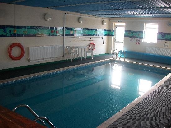 Sandy Lodge Hotel: SWIMMING POOL