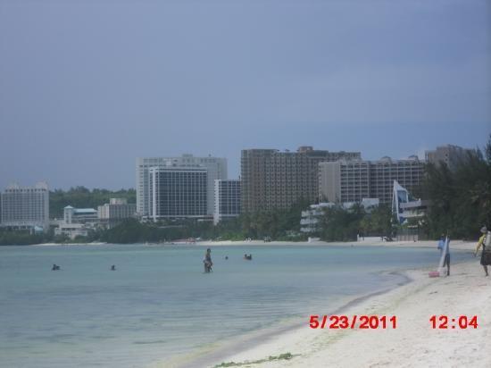 เฟียสต้า รีสอร์ท กวม: Beach