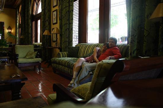 Hotel Santo Domingo: Nosotros en la sala del lobby