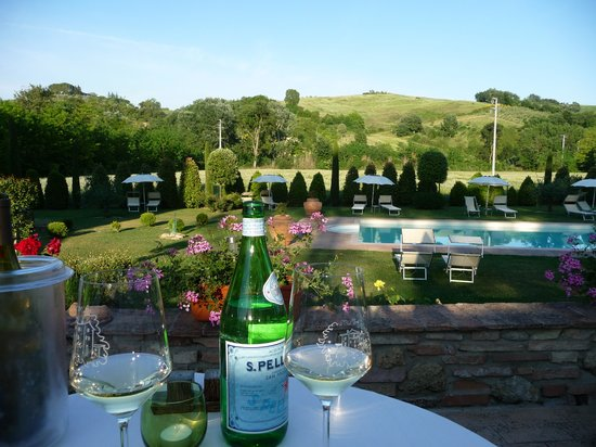 Molino di Foci: Abendessen mit Blick auf den Pool