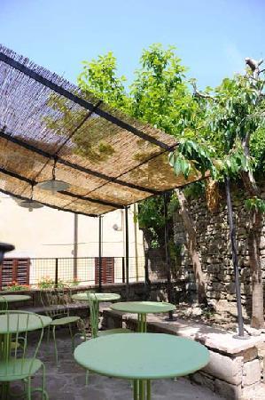Locanda Pane e Vino: Giardino per colazioni