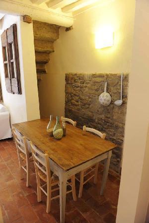 Locanda Pane e Vino: soggiorno appartamento Botte