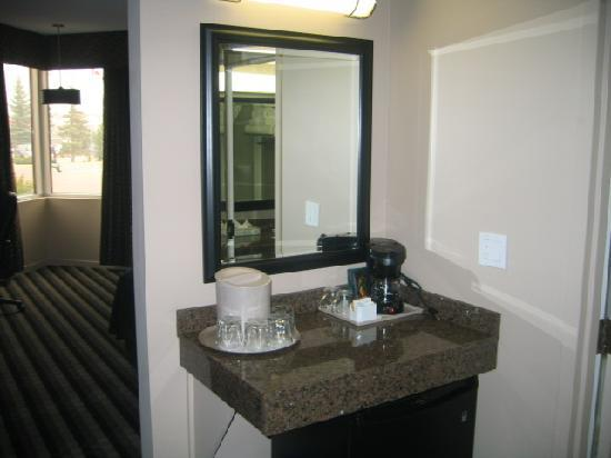 Executive Royal Hotel Edmonton: Completed Renovated Room