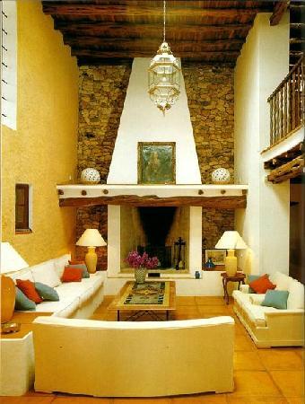 Hotel Cas Gasi: Entre y descubra la elegancia intemporal de Cas Gasi, su hotel rural en Ibiza. La acogida person