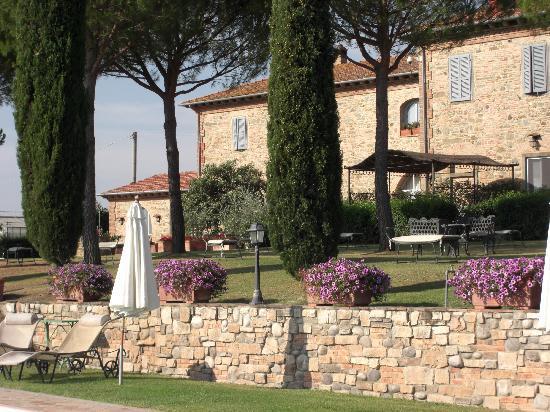 Casale di Brolio: aanzicht achterzijde