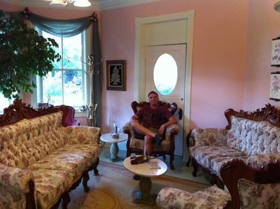 The Iron Gate Inn: the front parlor.