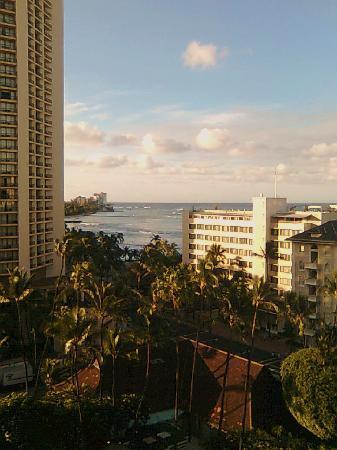 โรงแรมเชอราตันพริ๊นเซสไคอูลานี่: view from balcony