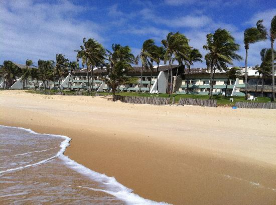 eSuites Vila do Mar: The back of the hotel from the beach