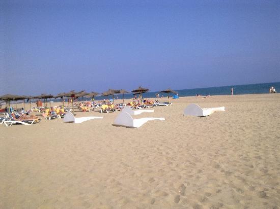 IBEROSTAR Isla Canela Hotel: beach close