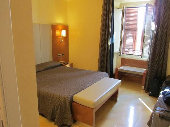 โรงแรมซอนยา: hotelkamer