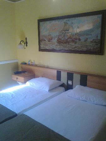 Soreda Hotel: Bedroom