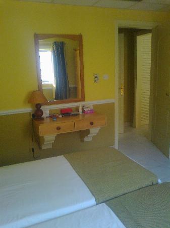 Soreda Hotel: Bedroom again