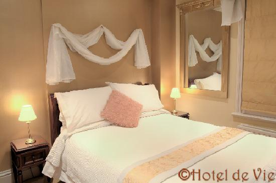 Hotel de Vie: Mirrors & Lace - one of our standard double rooms