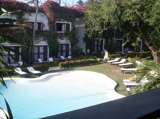 My Blue Hotel: piscina principal