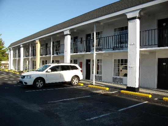 Best Western Hendersonville Inn: Praktischer Außenzugang