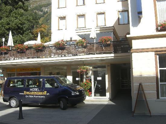 Pontresina, Suiza: Hotel Eingang