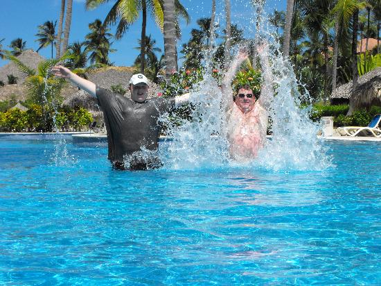 Majestic Colonial Punta Cana: splashing around in the pool