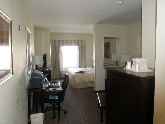 Comfort Suites University: Entry