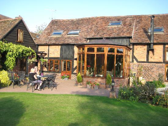 Tudor Barn Farmhouse Bed & Breakfast: TERRY