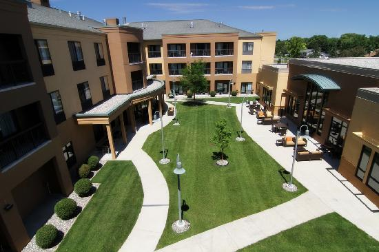 Courtyard Fargo Moorhead, MN: Private Balcony View