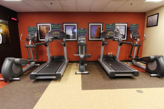 Courtyard Fargo Moorhead, MN: Fitness Center - open 24 hours