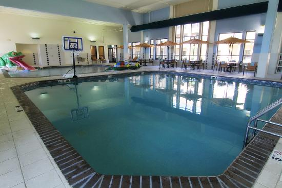 Courtyard Fargo Moorhead, MN: Family Fun Center - Two Indoor Pools