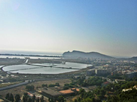Chentu Lunas Hotel : Cagliari view and the lakes