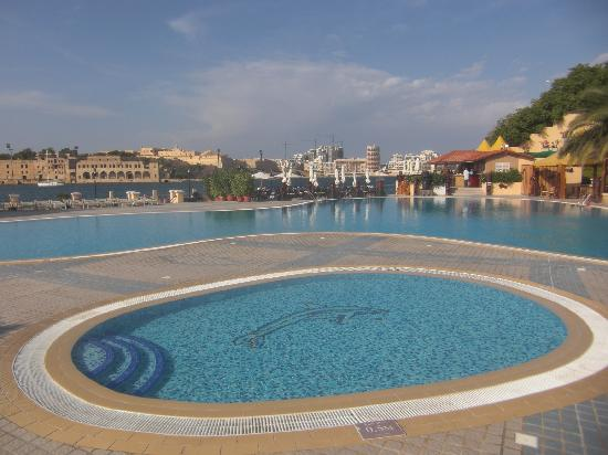 Excelsior Grand Hotel: Pool