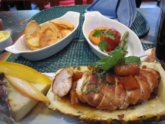 Adventures to Peru Day Tours: No matter were you go in Peru the Food is excellent.