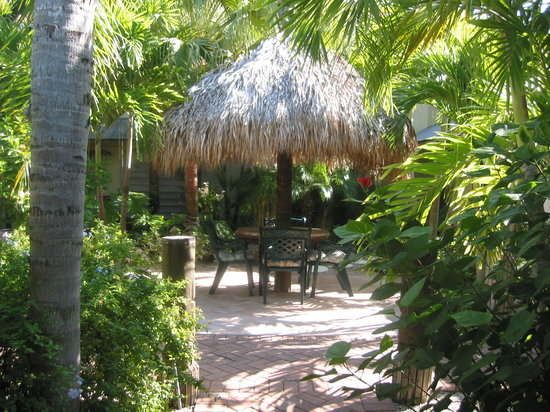 Flamingo Motel: Beautiful Courtyard to relax and unwind.