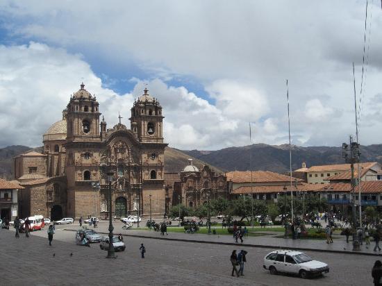 จตุรัสอามาส: Plaza de Armas