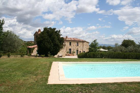 Relais Il Vallone: the lovely pool