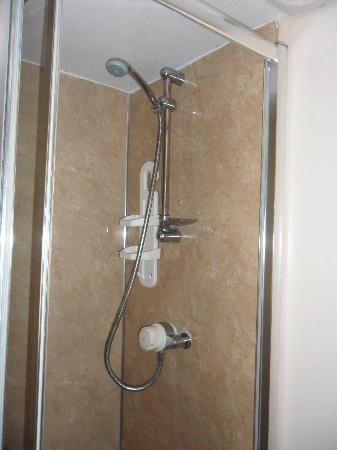 Sunholme Guest House: Lovely Shower.