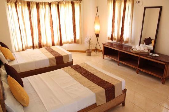 Palms Cove Bohol: Villa bed room